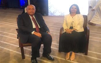 وزير الخارجية يلتقي نظيرته الليبية ويدعوها لزيارة مصر |صورة