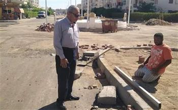 رئيس مدينة الغردقة يتفقد أعمال التطوير وإصلاح أعمدة الطاقة الشمسية   صور