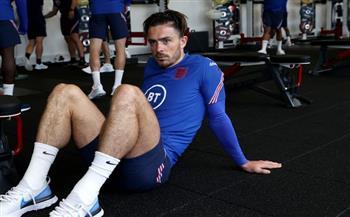 «جريليش» يتدرب منفردًا في مران المنتخب الإنجليزي