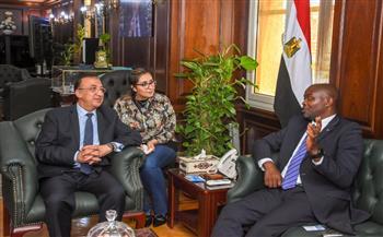 محافظ الإسكندرية يستقبل سفير جنوب إفريقيا بالقاهرة لبحث التعاون | صور