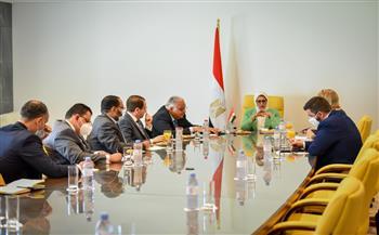 """وزيرة الصحة تستعرض إنجازات مصر في القضاء على فيروس """"سي"""" والكشف المبكر عن الأمراض غير السارية"""