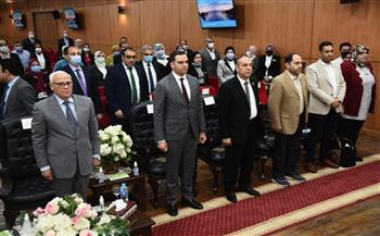 محافظ بورسعيد: 357 مليار جنيه استثمارات بالمحافظة | صور