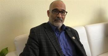 أيمن بكر: جائزة الشارقة لنقد الشعر العربي منحتني الثقة في مهارتي البحثية