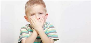 استشاري تعديل سلوك يكشف علامات تأخر النطق عند الأطفال