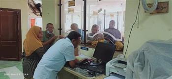 رئيس مدينة رأس غارب يتفقد المركز التكنولوجي ويتواصل مع المواطنين | صور