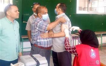 بدء تطعيم المعلمين في محافظة البحر الأحمر بلقاح كورونا | صور