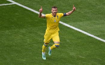 «يارمولينكو» يفتتح التسجيل لأوكرانيا في شباك مقدونيا الشمالية بـ«يورو 2020»