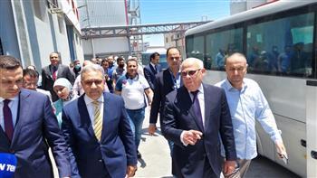 «السجيني»: نعمل على تعميم تجربة المنطقة الصناعية في بورسعيد بجميع المحافظات | صور