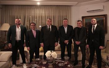 سفير مصر بتونس يقيم مأدبة عشاء لبعثة الأهلي