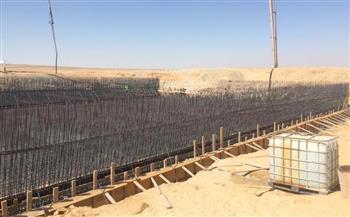 صب خرسانة خزان مياه غرب المطار..وتنفيذ الخط المغذي للميناء الجاف والمنطقة الصناعية|صور