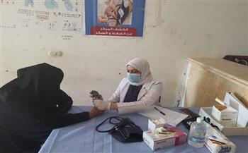 الكشف على ٨٨٥ مريضا من أهالي «السلام» في مركز الحمام| صور