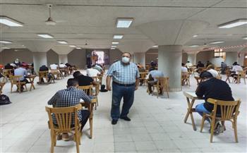 جولة تفقدية لرئيس جامعة حلوان بامتحانات الكليات |صور