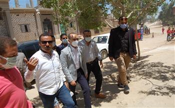 نائب محافظ سوهاج يتفقد مشروعات «حياة كريمة» في قرية «الكولا»| صور