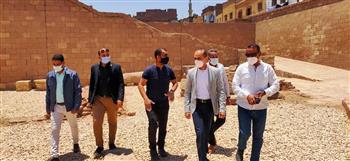 نائب محافظ سوهاج يتفقد المنطقة الأثرية في أخميم| صور