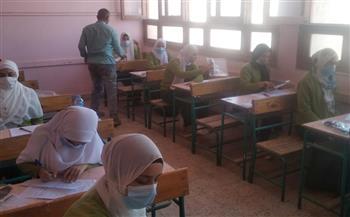 امتحانات الدبلومات الفنية تنطلق في القاهرة وسط إجراءات مشددة