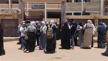 امتحانات اليوم الأول للدبلومات الفنية والثانوية الأزهرية بكفر الشيخ بلا شكاوى | صور