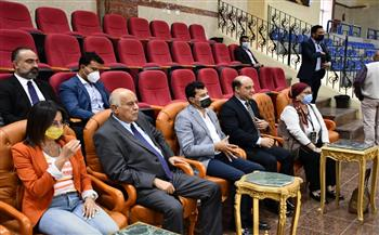 وزير الشباب والرياضة ونظيره الفلسطيني يشهدان فعاليات كأس الفراعنة الدولية للجمباز الإيقاعي