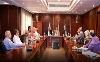 تجارية الجيزة تطالب بضمان حقوق العمالة المصرية الراغبة في السفر إلى ليبيا
