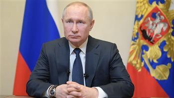 الرئيس الروسي يؤكد أهمية تطوير لقاحات جديدة ضد كورونا