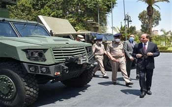 الرئيس السيسي يناقش خطة القيادة العامة لتطوير الكفاءة بكافة أفرع القوات المُسلحة |صور