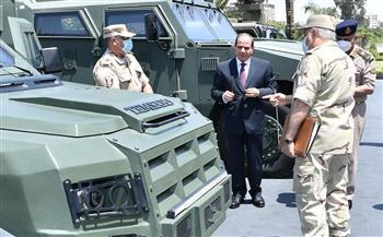 الرئيس السيسي يتفقد عددا من المركبات المدرعة مُتعددة المهام التي تم تصنيعها بإمكانات القوات المسلحة |صور