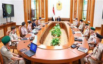 تفاصيل لقاء الرئيس السيسي مع وزير الدفاع ورئيس الأركان وقادة القوات المسلحة|صور