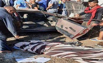 مصرع شخص وإصابة آخرين إثر سقوط سيارة من أعلى كوبري بالصف| صور