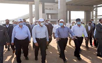 تفاصيل جولة وزير النقل بقطاعات مشروع القطار الكهربائي الخفيف LRT (السلام - العاشر من رمضان)| صور