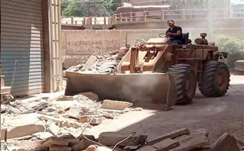 رئيس حى غرب شبين الكوم بالمنوفية يتابع أعمال التطوير بالشوارع