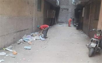 حملة نظافة مكبرة وتعقيم بشوارع حي شرق سوهاج