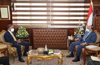 وزير التنمية المحلية يستقبل مدير برنامج الأغذية العالمي في نهاية فترة عمله بالقاهرة  صور