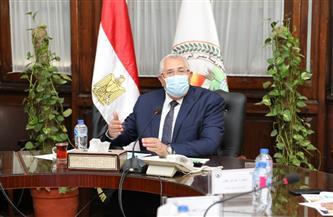 وزير الزراعة يبحث تطورات العمل في شركة تنمية الريف المصري وآليات دعم المنتفعين بالمشروع| صور