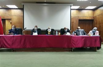 نائب رئيس جامعة الفيوم يشهد الملتقى التوظيفي السابع لكلية الخدمة الاجتماعية | صور