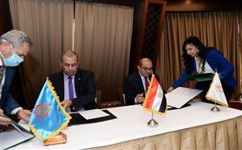 رئيس جامعة أسيوط يوقع بروتوكول تعاون مع شركة حلوان للصناعات الهندسية | صور