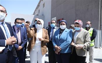 بطاقة 3 ملايين جرعة يوميًا.. وزيرة الصحة تتفقد مجمع فاكسيرا للقاحات |صور