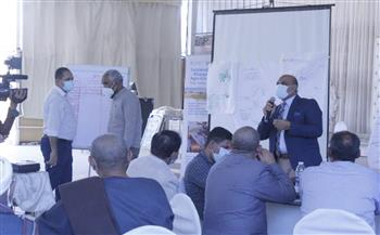 """""""بحوث الصحراء"""" يقدم حزمة ممارسات للإدارة المستدامة للمحاصيل الحقلية بواحة الخارجة"""