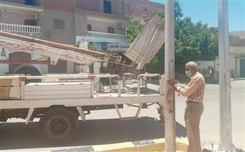 استمرار الصيانة الدورية لأعمدة الإنارة بالشوارع في القصير | صور