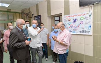 رئيس جامعة المنصورة يتفقد تطوير مستشفى الطلبة الجامعي |صور