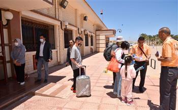وصول ثاني رحلة طيران شارتر إلى مطار مطروح تنقل 188 سائحا من كازاخستان  صور