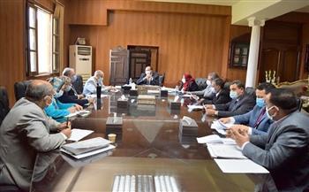 """رئيس جامعة بني سويف يترأس اجتماعي """"المنشآت"""" و""""الوحدات ذات الطابع الخاص"""""""
