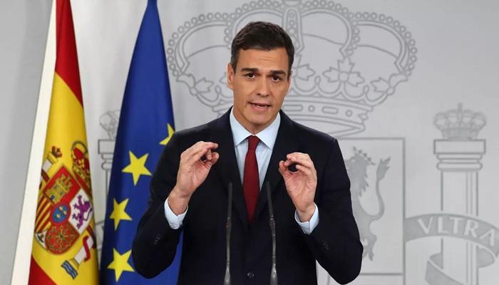 رئيس الوزراء الإسباني يؤجل رحلته إلى نيويورك ويتوجه إلى جزر الكناري لمتابعة انفجار بركان لا بالما