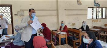مدير تعليم المنوفية يتابع امتحانات الدور الأول للدبلومات الفنية في يومها الثالث  صور