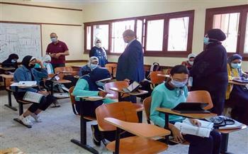 وكيل التعليم ببورسعيد يتفقد الامتحان التجريبي الثالث لطلاب الثانوية العامة   صور