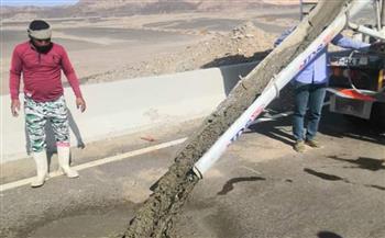 إصلاح هبوط أرضي بالكيلو 30 شمال مرسى علم  صور