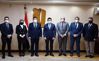 """""""حماة الوطن"""" يوقع بروتوكول تعاون مع وزير الشباب والرياضة"""