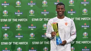فينالدوم يفوز بجائزة أفضل لاعب في مباراة هولندا ومقدونيا
