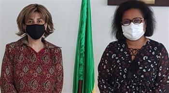 السفيرة المصرية في كوتونو تلتقي وزيرة الشئون الاجتماعية والمرأة البينينية |صورة