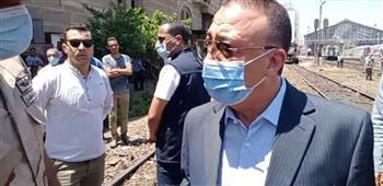 محافظ الإسكندرية يتفقد موقع حادث قطار محطة مصر|صور