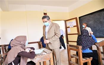 محافظ الغربية يتابع امتحانات الثانوية الأزهرية فى سمنود  صور