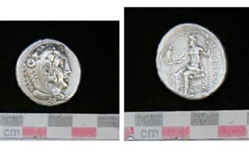 عملة بطلمية من الفضة.. قطعة شهر يونيو بالمتحف اليوناني الروماني   صور